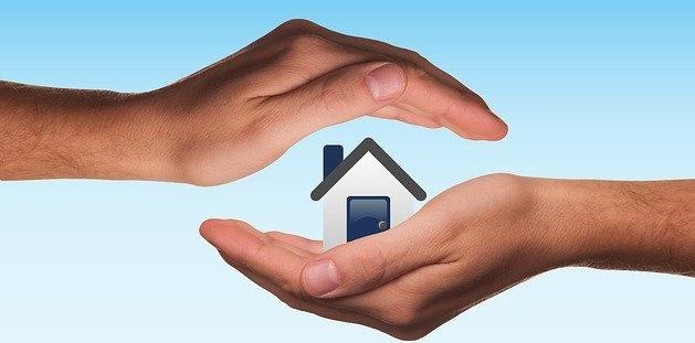 Jak zabezpieczyć mieszkanie przed żywiołami i na czas wyjazdu